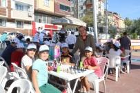 BÜLENT ÖZKAN - Sultangazi'de Satranç Sokağa Taşındı