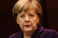 İSLAM - Merkel tarihinin en ağır yenilgisini aldı