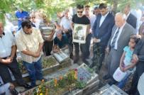 ÜLKÜ OCAKLARı - Ülkücü Mürsel Karataş Mezarı Başında Anıldı