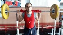 DÜNYA ŞAMPİYONU - Uşaklı Güreşçinin Hedefi Dünya Şampiyonluğu