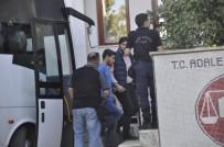 SAVCILIK SORGUSU - FETÖ'den Gözaltına Alınan 28 Kişi Adliyeye Çıkarıldı