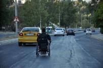 TEKERLEKLİ SANDALYE - Engelli Aracı İle Yolların Tozunu Aldı