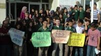 MEHMET ÖZER - Sosyal Bilimler Lisesi Veli Ve Öğrencileri, Okul Yerinin Değişmesine Tepki Gösterdi