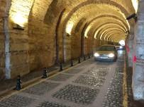 MUSTAFA ÇETIN - Tarihi Beylerbeyi Sarayı Tüneli Trafiğe Açıldı