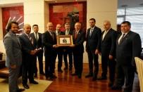 KEREM KINIK - CHP Lideri Kılıçdaroğlu, Türk Kızılayı Heyetiyle Görüştü