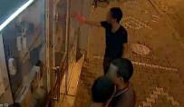 KAR MASKESİ - Hırsızlık Yapmak İstedikleri İşyerine Keşfe Maske İle Hırsızlığa İse Bulaşık Eldiveni İle Geldiler