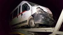 SERVİS ARACI - Karabük'te İki Servis Aracı Çarpıştı Açıklaması 14 Yaralı