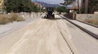 KALDIRIM ÇALIŞMASI - Atatürk Mahallesinde Asfalt Ve Kaldırım Çalışmaları Devam Ediyor
