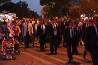 GAZİLER GÜNÜ - Bergama'daki Vatandaşlar Gaziler Gününde Mehter Takımıyla Yürüdü