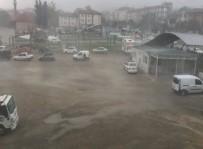 SU BASKINI - Bursa'da Şiddetli Fırtına Ve Yağmur Hayatı Felç Etti