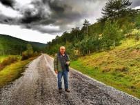 SOSYAL PAYLAŞIM - Darbe Sonrası İstifası İstenen Dekan Görevine Döndü