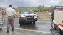 KıZıLDERE - Emet'te Trafik Kazası Açıklaması 3 Yaralı