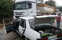 AĞIR YARALI - Hafriyat Kamyonu İle Otomobil Çarpıştı Açıklaması 1 Ölü, 1 Ağır Yaralı