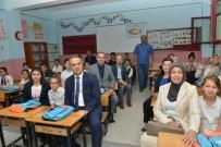 SOSYAL YARDIM - İnegöl Belediyesi'nden Öğrencilere Kırtasiye Seti