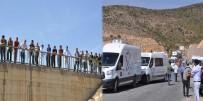 BOĞAZKÖY - Yol Trafiğe Kapatıldı, Vatandaşlar Merakla İzledi!