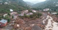 GİRESUN VALİSİ - Giresun Valisi Hasan Karahan Sel Felaketinin Yaşandığı Eynesil İlçesinde İncelemelerde Bulunuyor
