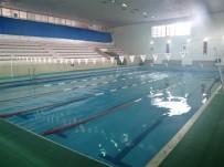 YÜZME - Kapalı Yüzme Havuzunda  Kış Sezonunu Açıldı