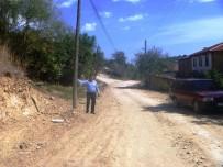TÜRK TELEKOM - Köy Halkı Bozulan Asfalt Yollarının Yapılmasını İstiyor