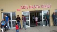 YOLCU MİNİBÜSÜ - Minibüsle Taksi Çarpıştı Açıklaması 12 Yaralı