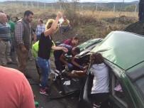 ZINCIRLIKUYU - Takla Atan Otomobilde Can Pazarı Açıklaması 5 Yaralı