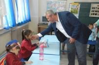 KIRTASİYE MALZEMESİ - AK Parti Uşak İl Teşkilatı'ndan Köy Öğrencilere Eğitim Desteği