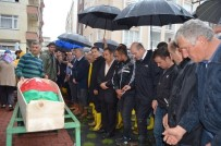 Başbakan Yardımcısı Canikli Ve İçişleri Bakanı Soylu Selde Hayatını Kaybeden Oğuzhan'ın Cenazesine Katıldı