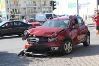 TİCARET ODASI - Didim'de Trafik Kazası Açıklaması 3 Yaralı