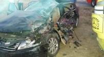 DİKKATSİZLİK - Horasan'da Trafik Kazası Açıklaması 1 Ölü, 2 Yaralı