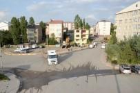 ORHAN BULUTLAR - Palandöken Belediyesi, Yol Açmak İçin Binaları Kamulaştırdı
