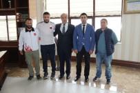 BRONZ MADALYA - Şampiyon Sporcudan Rektör Polat'a Ziyaret