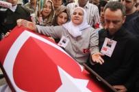 MAHMUT DEMIRTAŞ - Şehadet Haberini Hacda Alan Anne Açıklaması 'Kurtlara Kuşlara Yalvardım Oğluma Dua Edin Diye'