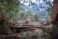COŞKUN SOMUNCUOĞLU - Selin Vurduğu Eynesil'de Hasar Tespit Çalışmaları Başladı