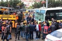 E-5 KARAYOLU - Acıbadem'de Kaza Yapan Metrobüs Yoldan Kaldırıldı