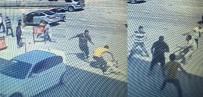 1 EYLÜL - Adana'da Bıçaklı, Sopalı Kavga Açıklaması 1 Ölü, 2 Yaralı
