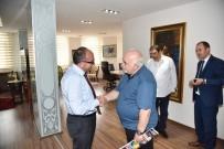 İŞ BANKASı - Başkan Üzülmez Konuklarını Makamında Ağırladı
