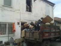 Burhaniye'de Çöp Ev Operasyonu