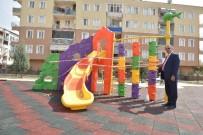 YUNUS EMRE - Çocuk Parkları Yenileniyor