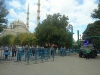 CUMA NAMAZI - Gaziantep'te Canlı Bomba Alarmı