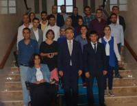 MUSTAFA TOPRAK - Gençlik Konseyi Vali Toprak'ı Ziyaret Etti