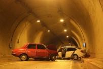 ŞERİT İHLALİ - Karabük'te Trafik Kazası Açıklaması 1 Ölü, 1 Yaralı
