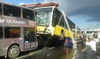 VASIP ŞAHIN - Metrobüs E-5'E Girdi Açıklaması 11 Yaralı !