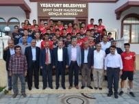 ÖMER HALİSDEMİR - Milletvekili Şahin, Şehit Ömer Halisdemir Gençlik Merkezini Ziyaret Etti