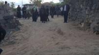 DÜĞÜN HAZIRLIĞI - Nevşehir'de Bahçe Duvarı Çöktü, 4 Kişi Yaralandı