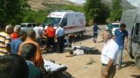 ŞEHİR İÇİ - Otomobil İle Minibüs Çarpıştı Açıklaması 3 Yaralı