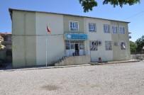 ÇÜRÜK RAPORU - Sincik Atatürk İlkokulu'nun Deprem Raporu Bekleniyor