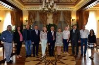 MÜNİR KARAOĞLU - Vali Karaloğlu, Rus Gazetecileri Ağırladı