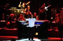 PIYANIST - Yanni'den Unutulmaz Konser