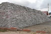 KIŞ MEVSİMİ - Yozgat SYDV Dar Gelirli Ailelere Kömür Dağıtımlarını Sürdürüyor