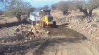 ÜÇPıNAR - Yunusemre'de Ova Yolları Yapılıyor