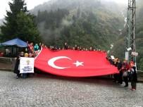 AYDER - AK Parti'li Kadınlar Zirvede Şehitler Anısına Türk Bayrağı Açtı